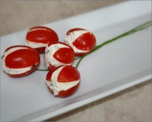 Tomates cerises farcies en tulipes